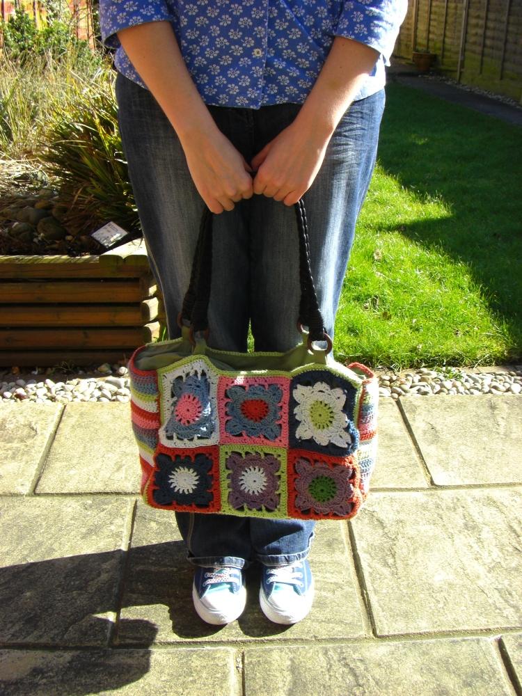 Larger than Life handbag (3/3)