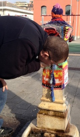 Waterfountain yarnbomb