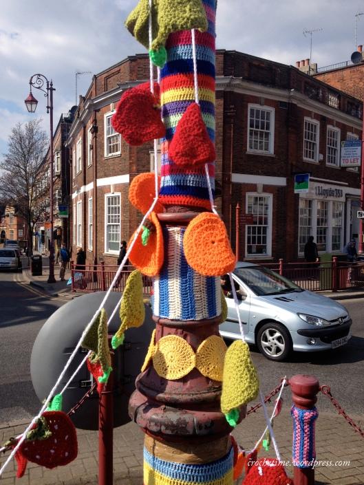 Surbiton roundabout yarnbomb