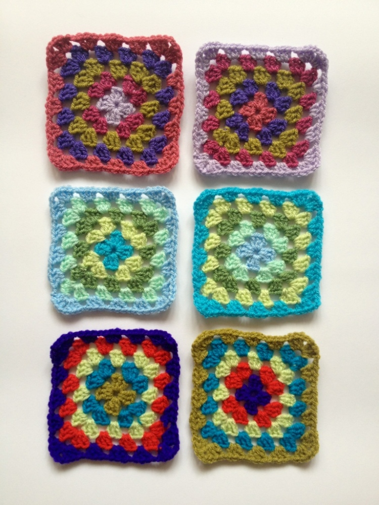 How to pick random colours for a granny square blanket (6/6)
