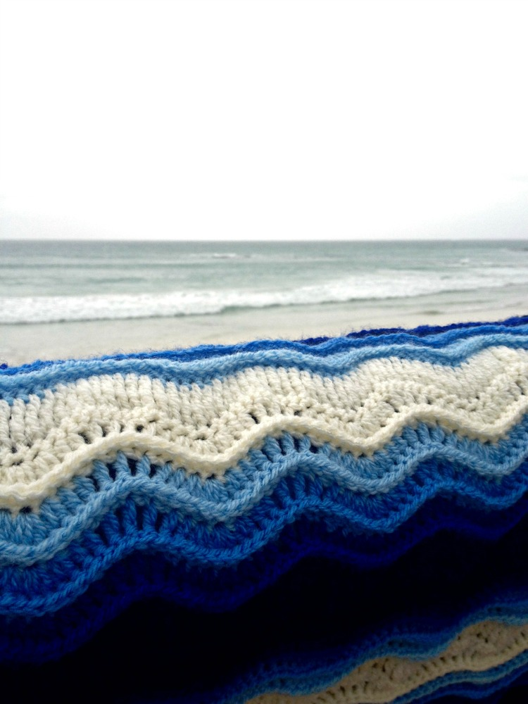 Atlantic Waves ripple blanket Ta-daaaah! (3/6)