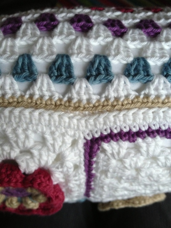 crochet cushion seam.jpg