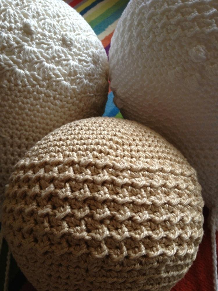 Crochet balloons for a nursery (4/6)