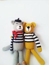 Valentine bears