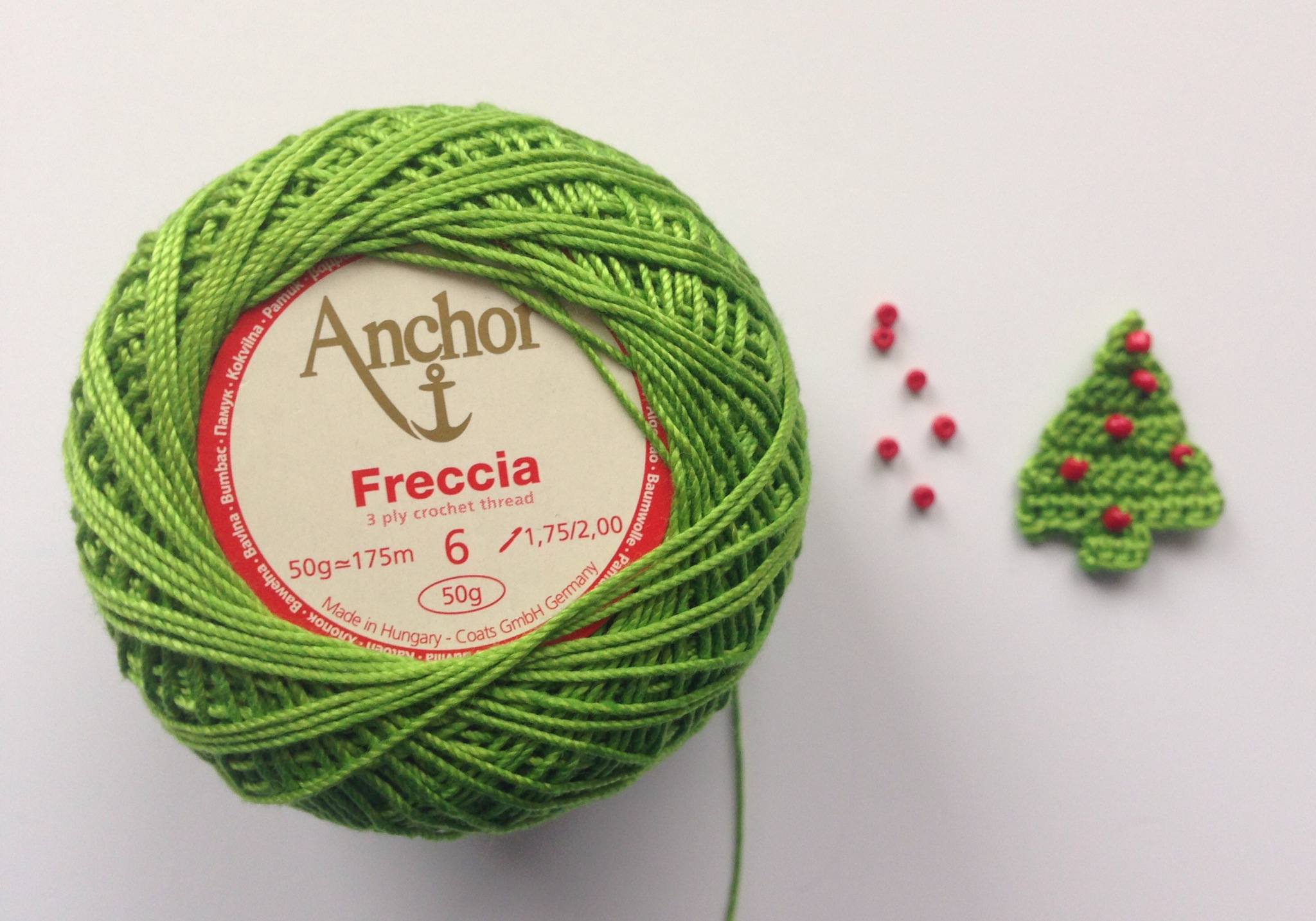 crochet thread crochet christmas tree with seed beads